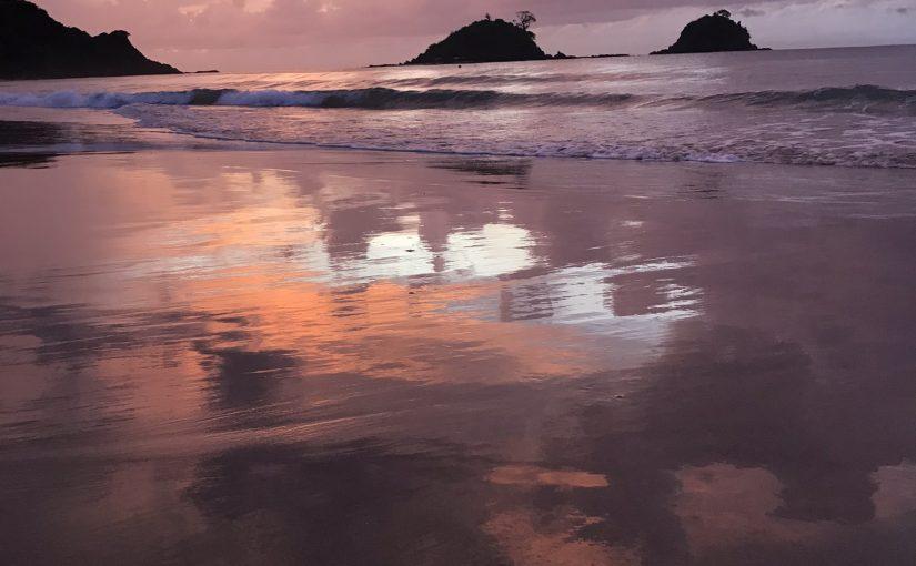 غروب شاطئ ناك بان